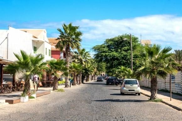 Kapverden Urlaub Kapverdische Inseln Santa Marina Insel Sal Straßen Palmen