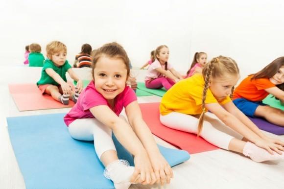Kinderyoga Übungen Sports für Kinder Yogaübungen für Kinder