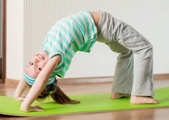 Kinderyoga Übungen gesundes Leben Yogaübungen für Kinder Brücke