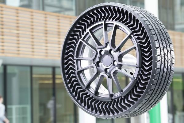 Michelin und General Motors entwickeln luftlose Reifen uptis die neuen tweels von michelin