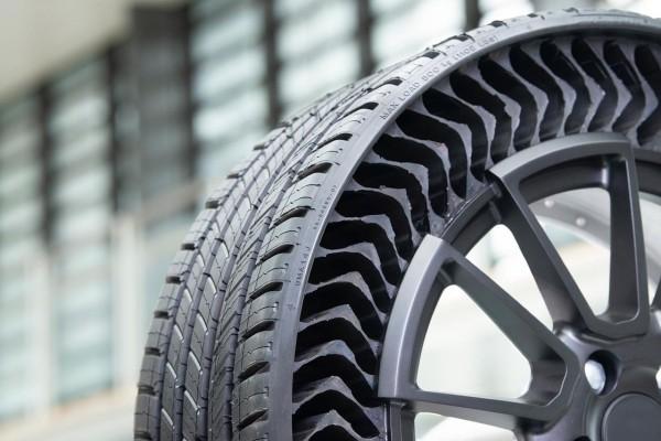 Michelin und General Motors entwickeln luftlose Reifen uptis naher blick auf einen luftlosen reifen