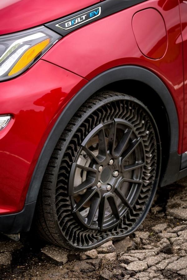 Michelin und General Motors entwickeln luftlose Reifen uptis tests beginnen dieses jahres
