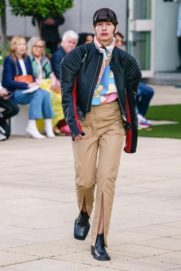 Modetrends - eine helle modische Hose