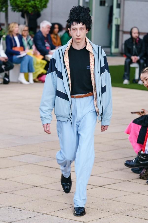 Modetrends - hellblaue Muster