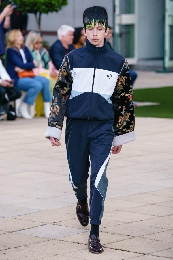 Modetrends - heller Anzug - tolle Idee
