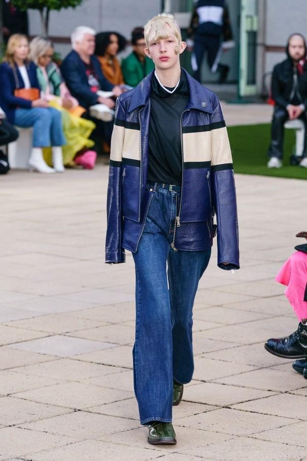 Modetrends viele verschiedene blaue Schichten