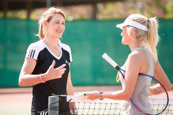 Steffi Graf 50.Geburtstag absolute Tennis- Queen auf dem Tennisplatz gegen andere Spielerin
