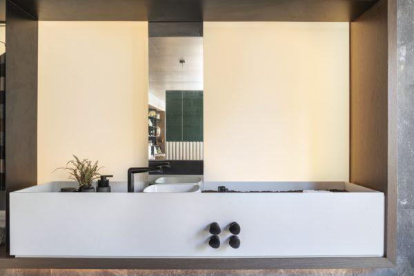 Traumhaus Badewanne mit grünem Zeug