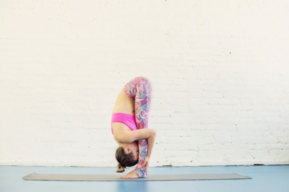 Uttanasana Yoga Sonnengruß Surya Namaskar