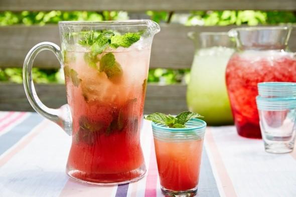 Wassermelone gesund Sommerfrucht Wassermelone Limonade erfrischende Sommergetränke