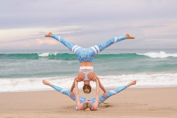 Yoga Übungen zu zweit Akro Yoga Posen