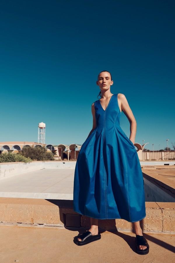 breites blaues Kleid Damenkleider