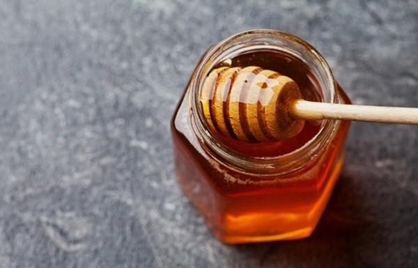 haare natürlich aufhellen mit honig