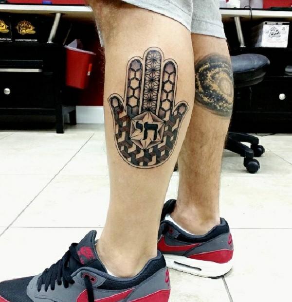hamsa tattoo unterbein blackwork