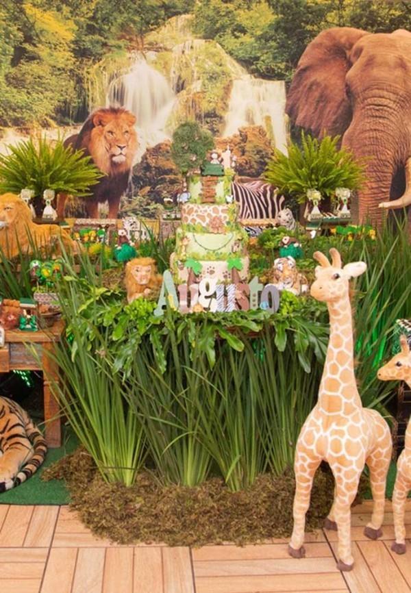 kindergeburtstag - deko mit tieren und grüne