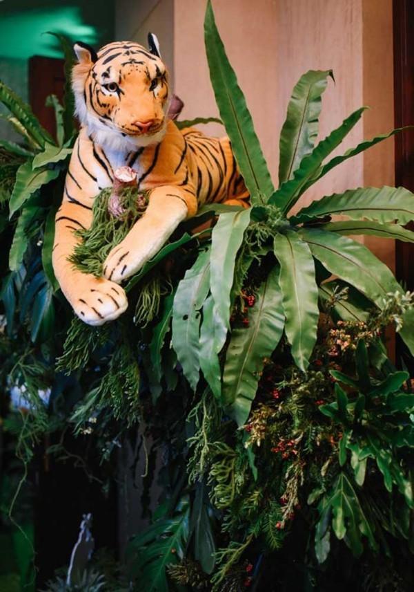 kindergeburtstag tiger am baum