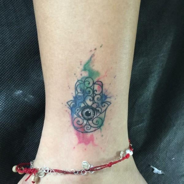 kleines hamsa tattoo aquarell