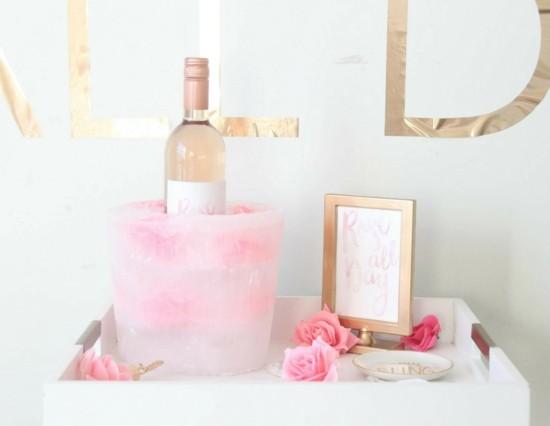 sektkühler weinkühler aus eis mit rosen