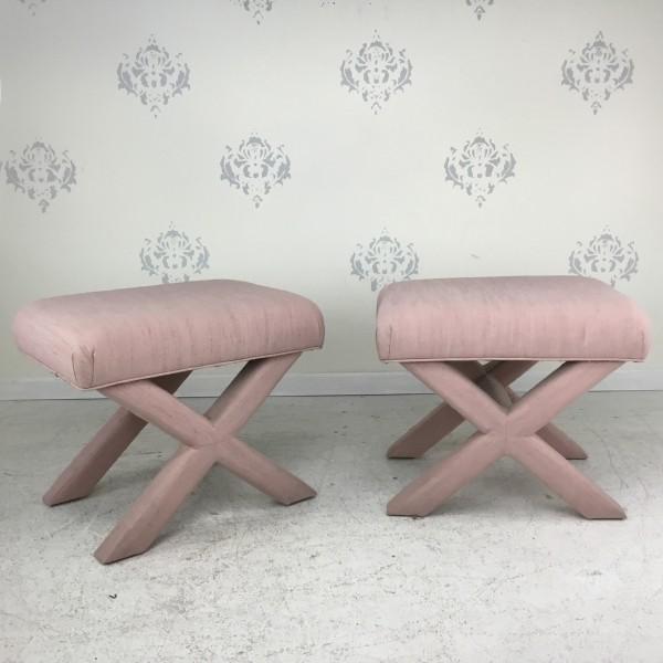 sitzbänke design in hellem rosa
