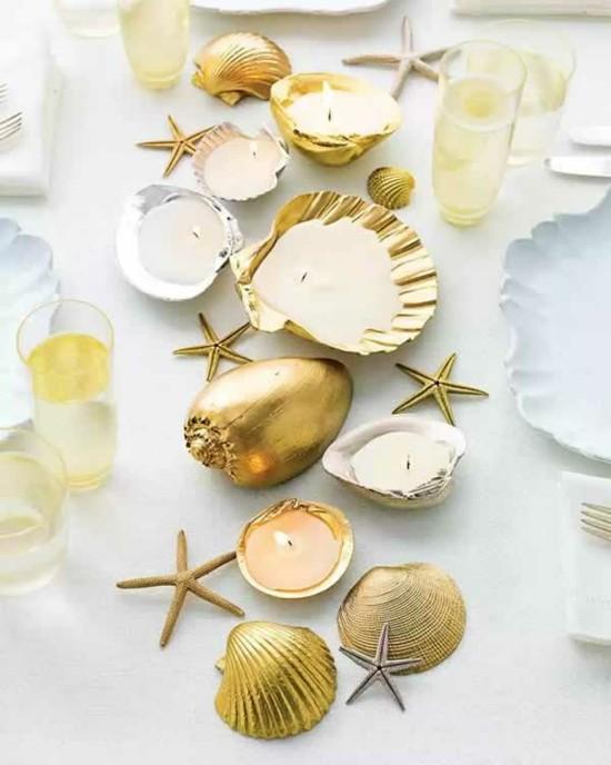 sommerliche tischdeko ideen mit goldenen muscheln