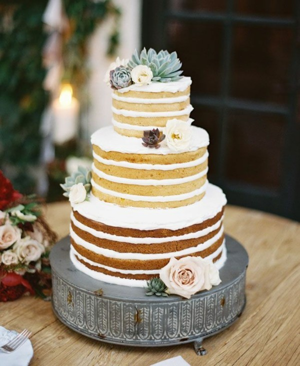 sommerlicher kuchen layer cake mit sukkulenten und rosen