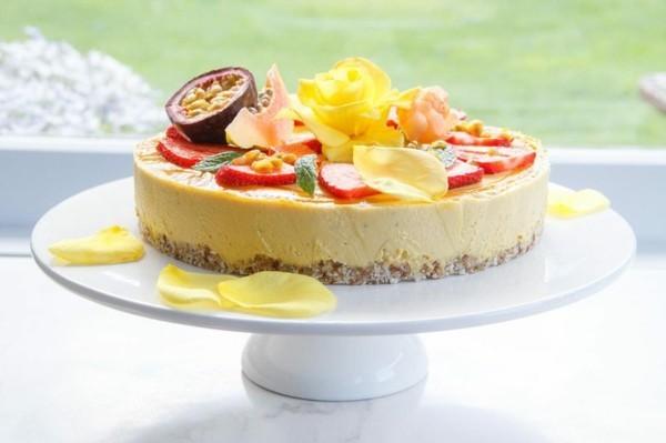 sommerlicher kuchen mit frischkäse und mango
