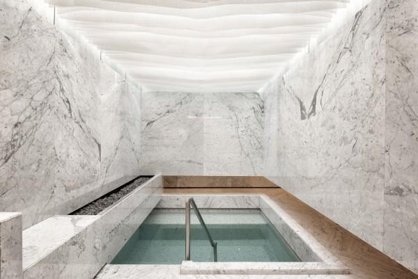 tolle marmorwände pool im haus