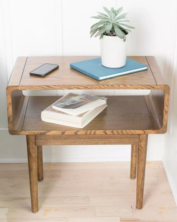tolles Möbelstück aus Holz - platzsparend
