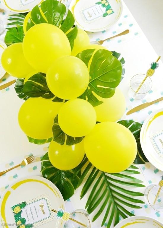 tropishe sommerliche tischdeko ideen mit gelben ballons