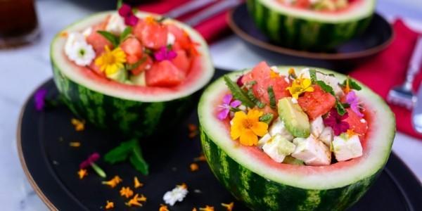 wassermelonen feta salat mit avocado und rucola