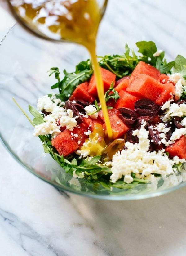 wassermelonen feta salat mit rucola und oliven