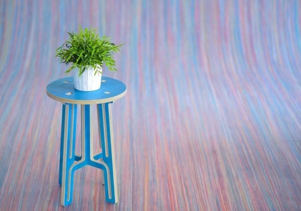 wohnideen - stuhl mit einer kleinen pflanze