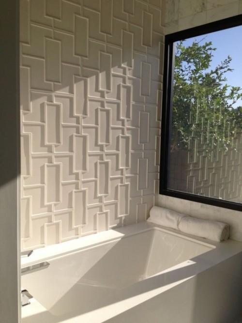 Akzentwand moderne Wandgestaltung 3d-Paneele modernes Bad in Weiß