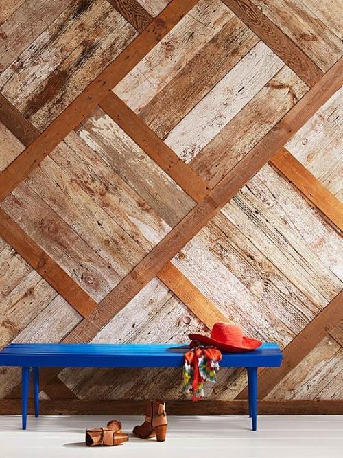 Akzentwand moderne Wandgestaltung Holzdielen in Holzrahmen geometrische Wandgestaltung Flur