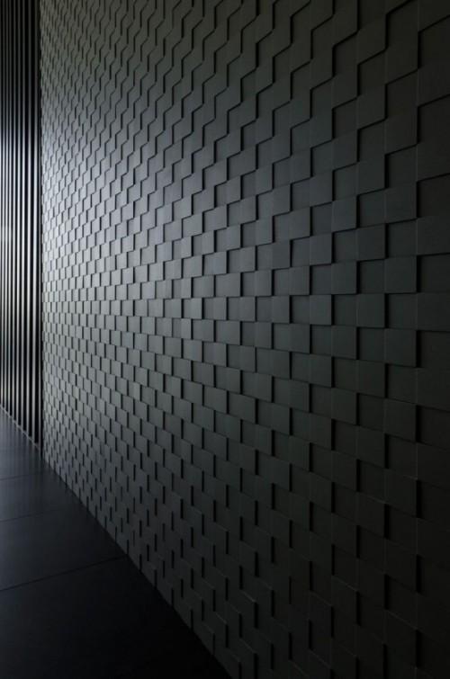 Akzentwand moderne Wandgestaltung im Flur 3D Paneele dunkelgrau