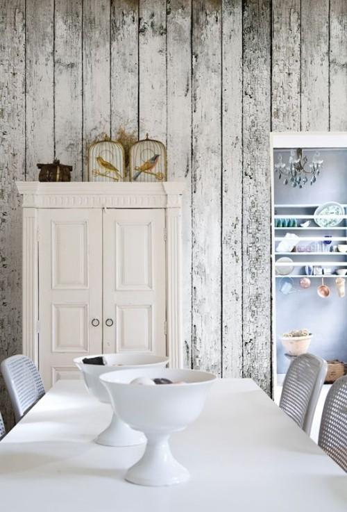Akzentwand moderne Wandgestaltung verwittertes Holz verwenden eine Retro Touch ins moderne Esszimmer einführen