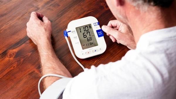 Μέτρηση της αρτηριακής πίεσης στο σπίτι