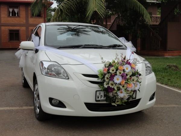 Autoschmuck Hochzeit an der Fromtseite