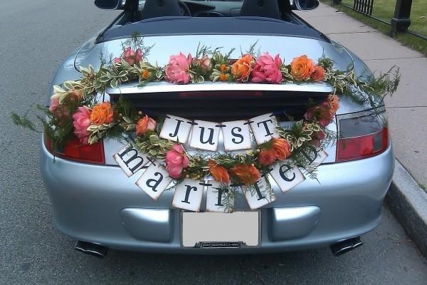 Autoschmuck Hochzeit mit einer Inschrift - Just Married