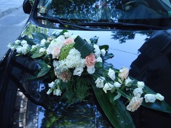 Autoschmuck Hochzeit schwarzes Auto