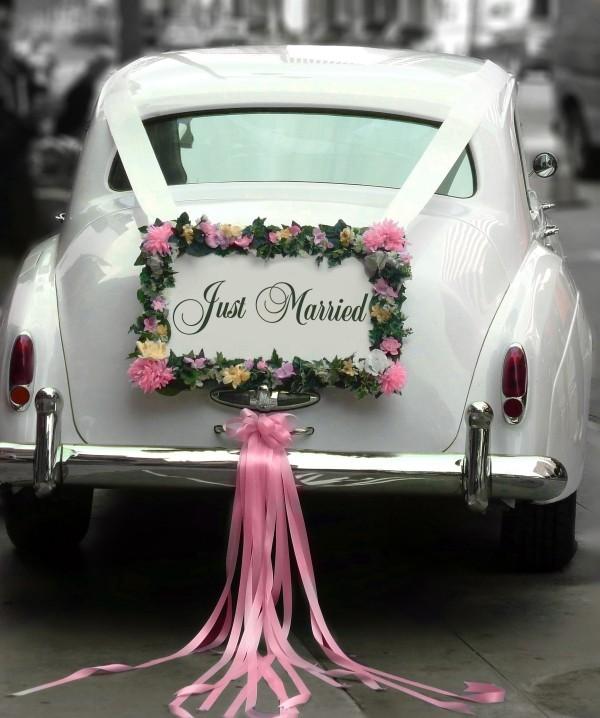 Autoschmuck Hochzeit - tolle rosa Bänder