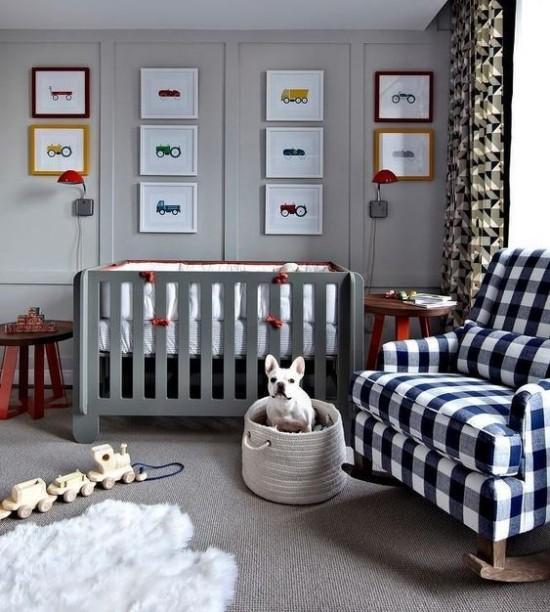 Babyzimmer Deko Ideen Grau dominiert schottische Karos Sessel Autos Züge Fahrräder kleine Wandbilder