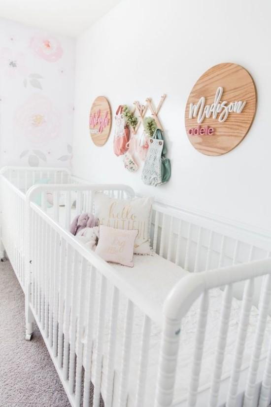 Babyzimmer Deko Ideen Raum für Zwillinge sanfte Farben persönlich dekoriert