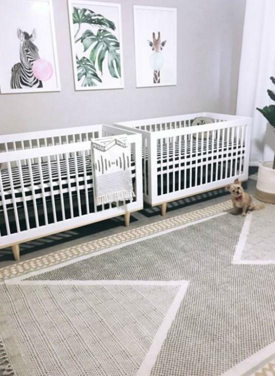 Babyzimmer Deko Ideen Tiere florale Muster an der Wand Zimmer für Zwillinge