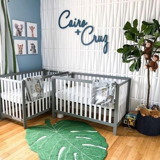 Babyzimmer Deko Ideen florale Muster sehr persönlich dekoriertes Zimmer für Zwillinge