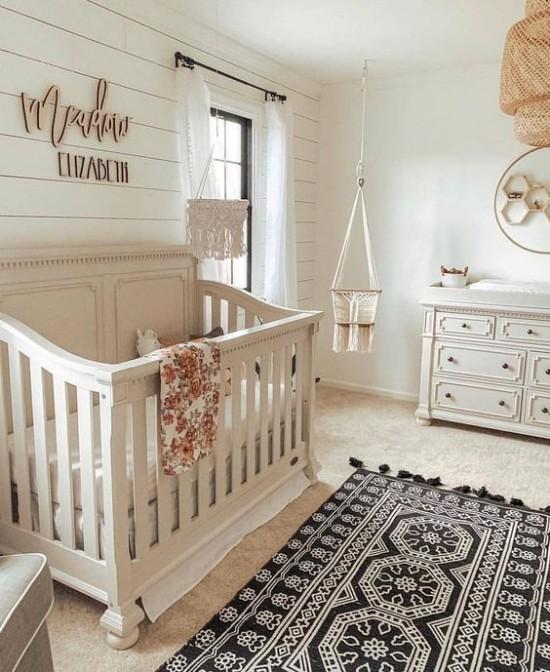 Babyzimmer Deko Ideen helles Ambiente in Boho Stil fein gemusterter Teppich