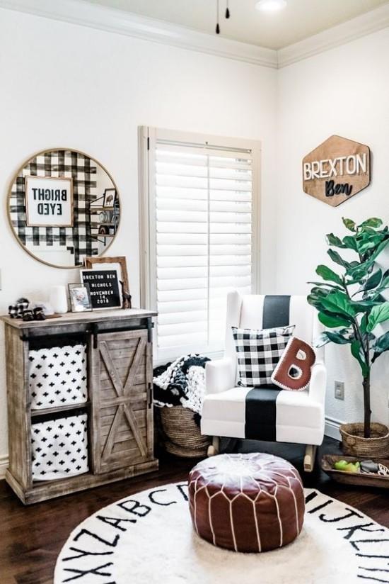 Babyzimmer Deko Ideen rustikale Kommode Plaid Muster Buchstabe Hocker runder weißer Teppich