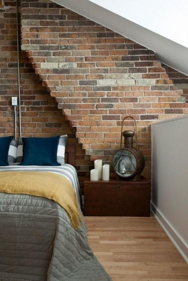 Backsteinwand im Schlafzimmer Dachschräge rustikal und modern zugleich