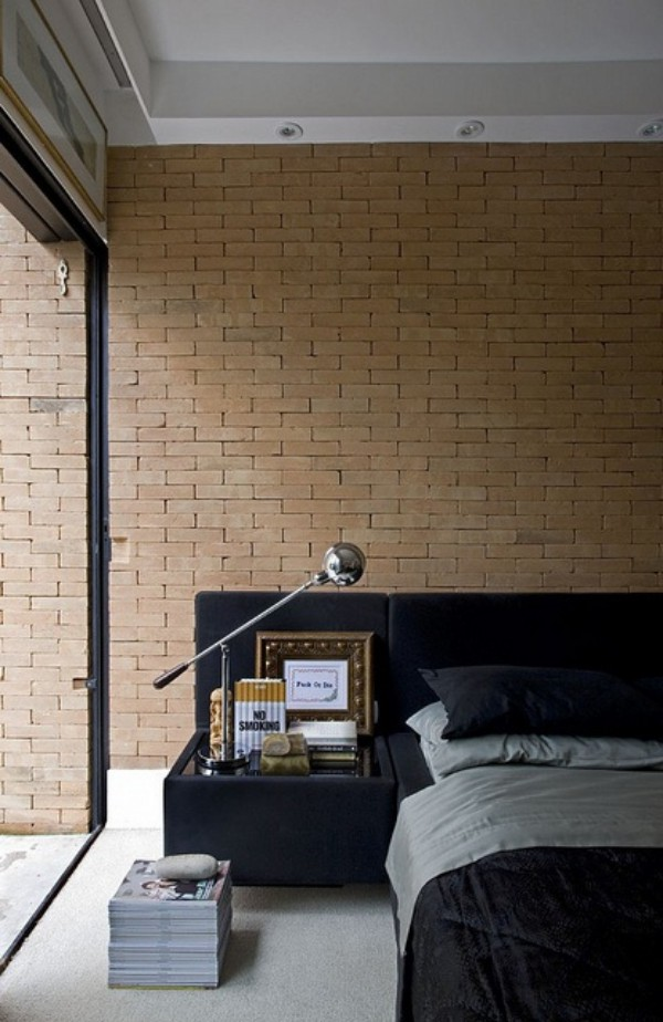 Backsteinwand im Schlafzimmer moderne Gestaltung Glaswand elegante Lampe