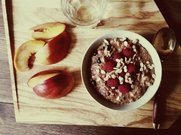 Ballaststoffreiche Lebensmittel Liste Früstücksmüsli Pfirsich